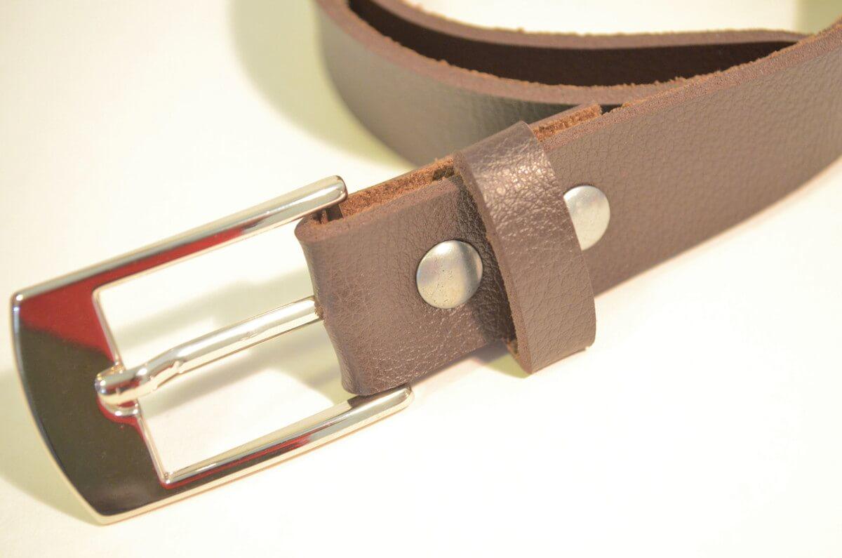Confecção de cintos de couro - Trabalhe com courvin! - JB Dublagem 81b2d8697b1