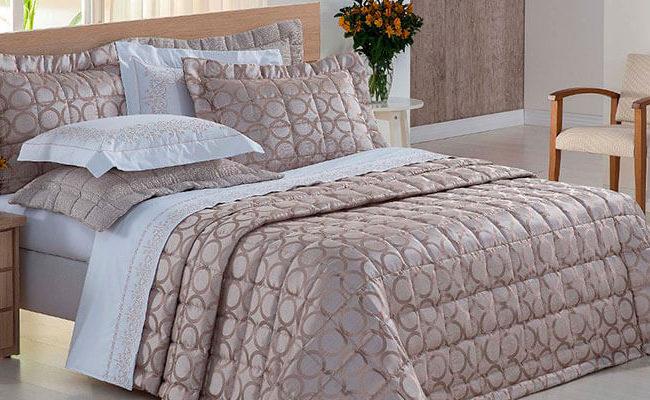 Entenda as diferenças dos tecidos para roupa de cama e veja como escolher o ideal