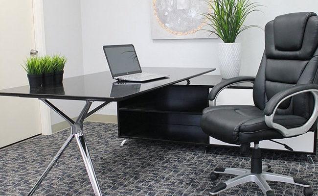 Cadeira de escritório também tem tecido dublado